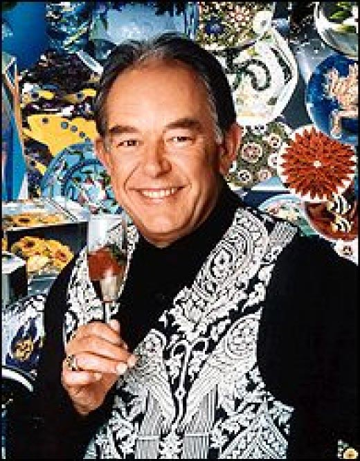 [ Robin Leach of 'Lifestyles of the Rich and Famous' ]
