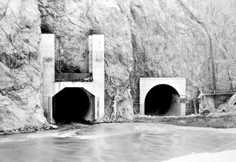 [ Building the Hoover Dam, Part 8 ]